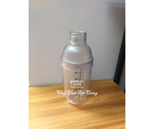 Shaker nhựa vạch đen 700ml