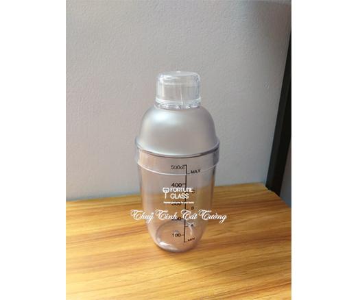 Shaker nhựa vạch đen 550ml